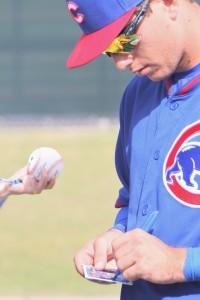 Cubs Albert Almora signs