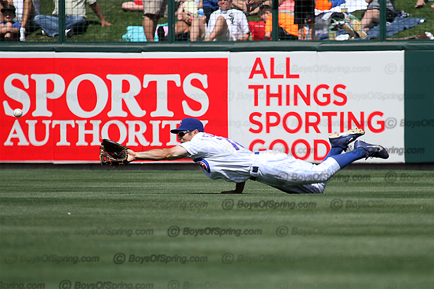 Cubs Matt Szczur makes diving grab at Cubs Park