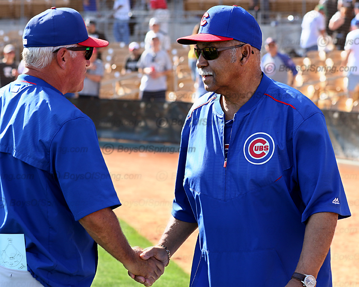 Joe Maddon and HOF'er Billy Williams shake after W