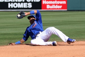 Addison Russell makes an insane play on tough hop