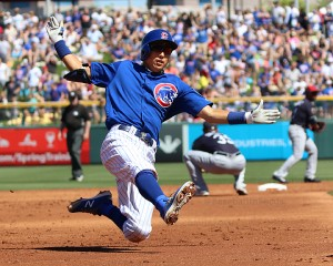 Munenori Kawasaki on his way to third