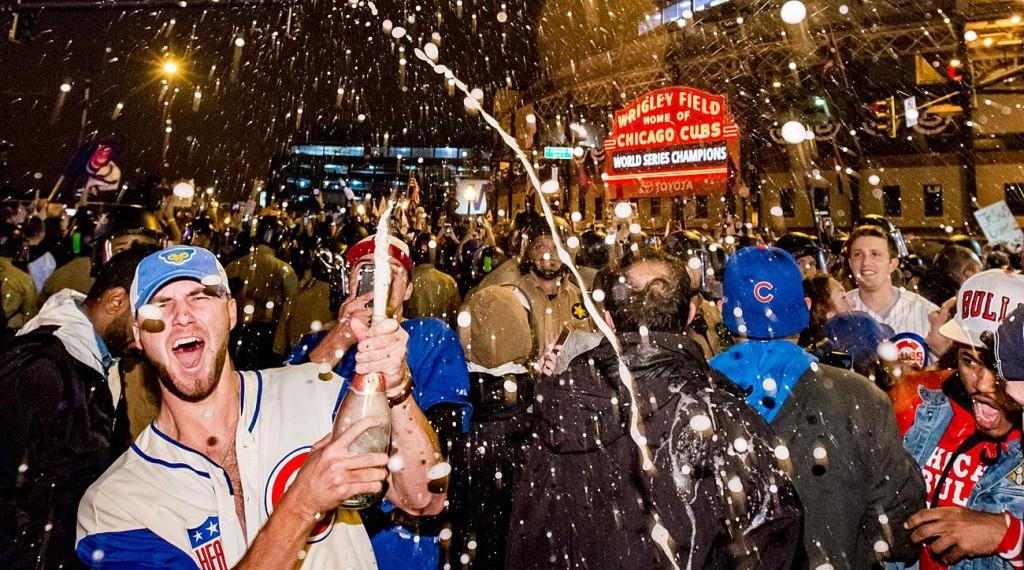 cubs-champagne-fans
